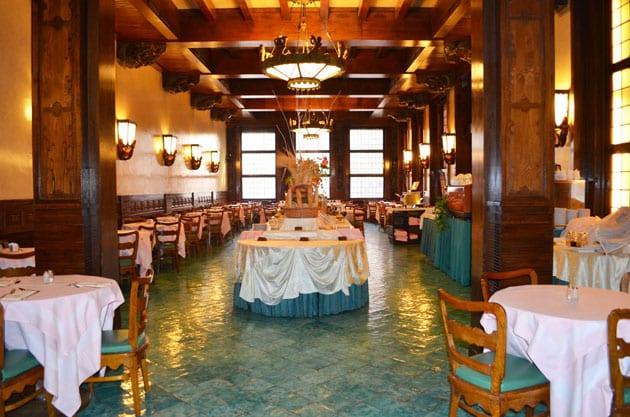 Breakfast in the Taverna