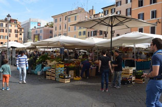 Piazza Farnese Farmers Market