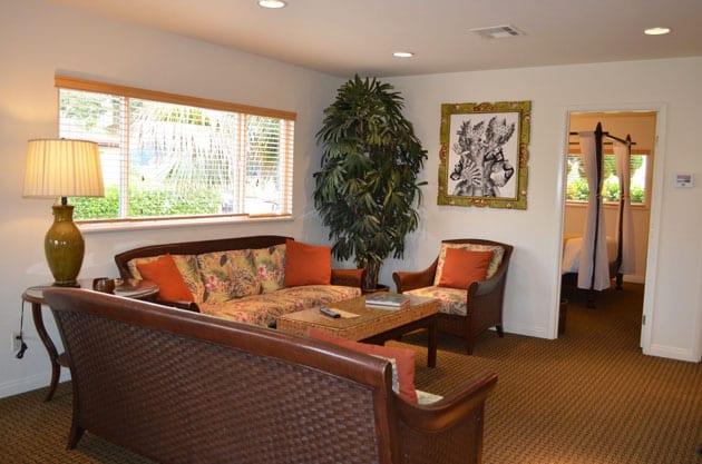 Pantai Inn Guest Suite Sitting Room