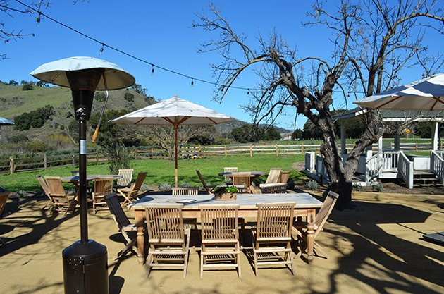 Folded Hills Winery Tasting Room Patio @Cori Solomon